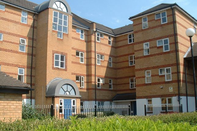 Thumbnail Flat to rent in Windsock Close, London