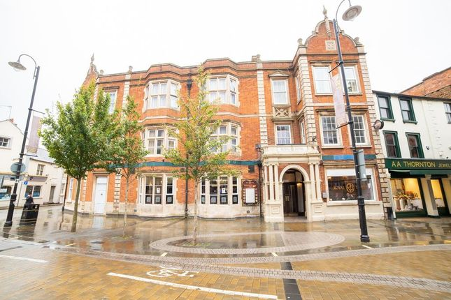 Thumbnail Commercial property for sale in Royal Hotel, Market Place, Kettering