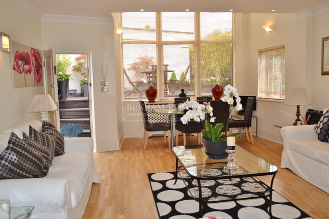 Thumbnail Cottage to rent in The Mount, Hampstead