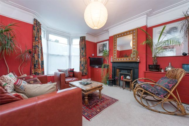 3 bed end terrace house for sale in Buckingham Road, London