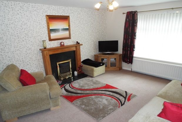 Thumbnail Property to rent in Blenheim Close, Forest Town, Mansfield
