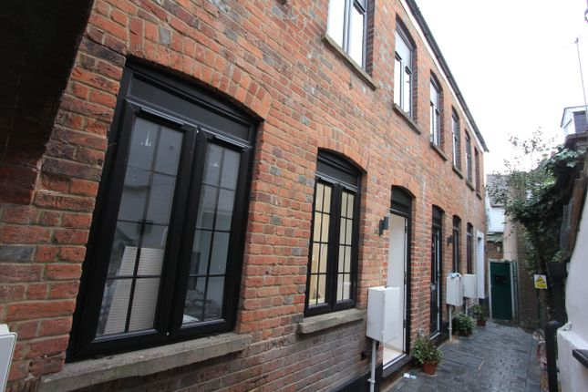 2 bed end terrace house to rent in East Street, Chesham HP5
