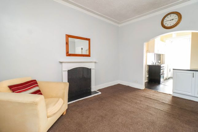 Thumbnail Flat for sale in Kellie Place, Alloa