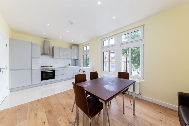 Thumbnail Flat to rent in Elthorne Road, London