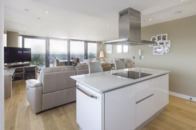 Thumbnail Flat for sale in The Moresby Tower, Ocean Way, Ocean Village, Southampton, Hampshire