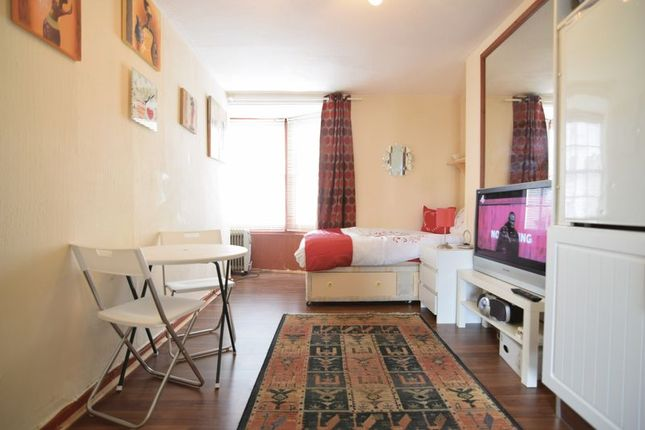 Room to rent in Western Road, Brighton