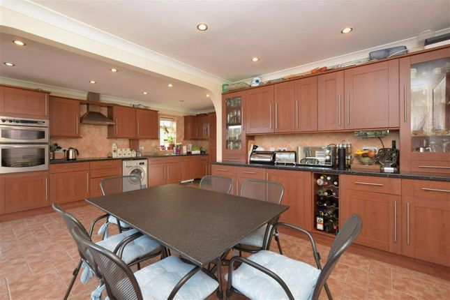 5 bed detached house for sale in Westland Drive, Waterlooville, Hampshire