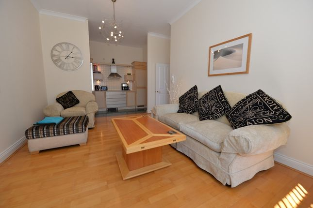 Thumbnail Flat to rent in 82 Canute Road, Southampton