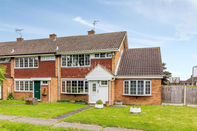 Thumbnail Terraced house for sale in The Furlongs, Ingatestone