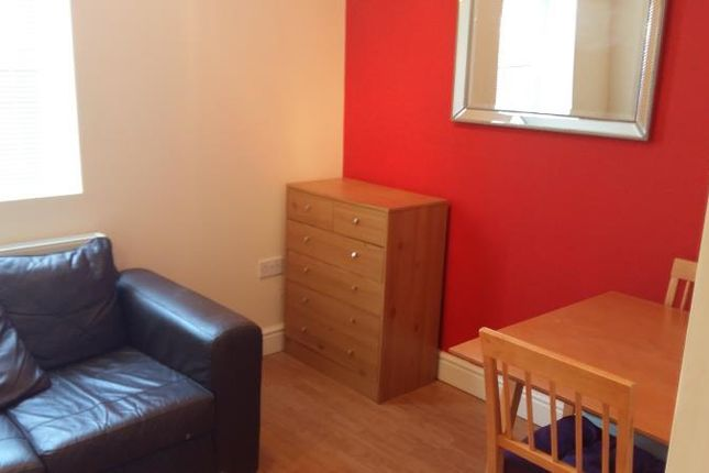 Thumbnail Flat to rent in Russell Street, Cardiff