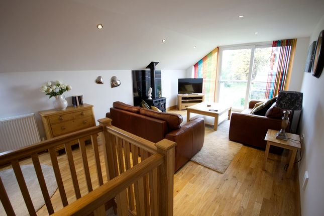 Thumbnail Semi-detached house to rent in Oughtrington Lane, Lymm, Cheshire