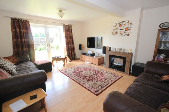 Thumbnail Detached house to rent in Brampton Lane, Armthorpe, Doncaster