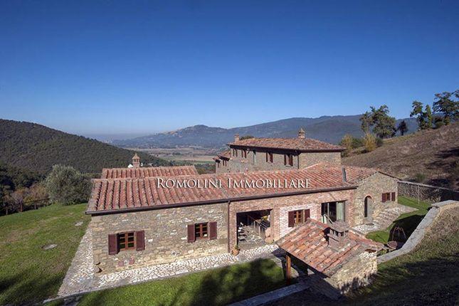 6 bed villa for sale in Cortona, Tuscany, Italy