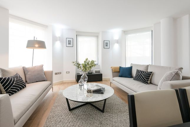 Thumbnail Flat for sale in 368 High Street, Brentford, London