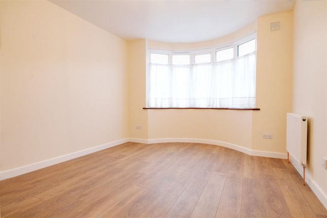 Thumbnail Flat to rent in Dunster Drive, London