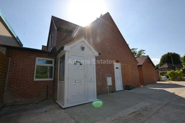 Thumbnail Flat to rent in Park View Drive South, Charvil, Reading