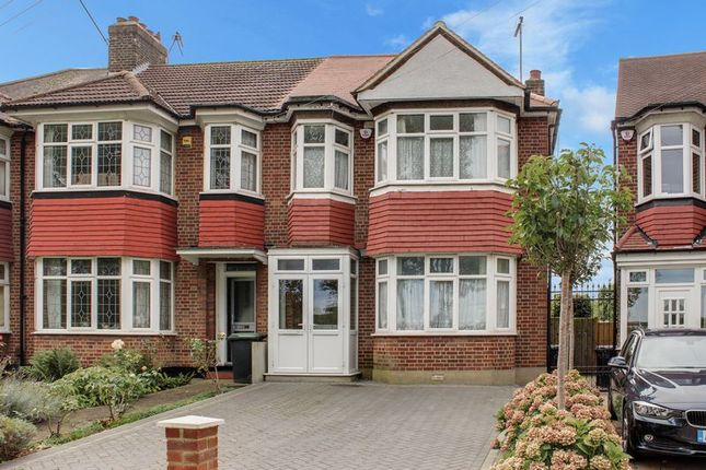 Thumbnail Terraced house for sale in Barrowell Green, London