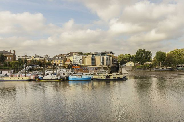 Thumbnail Flat for sale in Waterside Business Centre, Railshead Road, Isleworth