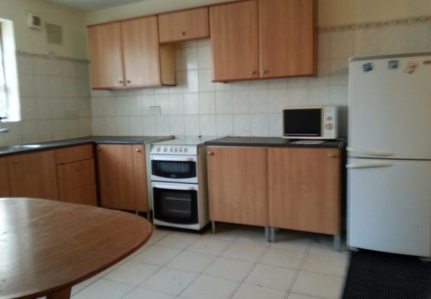 Thumbnail Flat to rent in Kingston Road, Ilford
