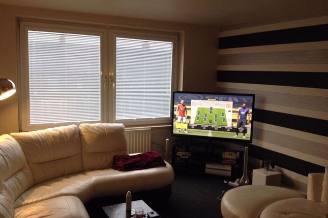 Thumbnail Flat to rent in Nowell Court, Middleton
