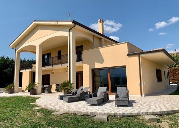 Thumbnail Villa for sale in Pescara, Castiglione A Casauria, Abruzzo, Pe65020