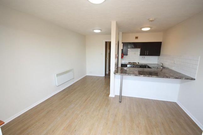 Thumbnail Flat to rent in Cotton Avenue, Acton, London