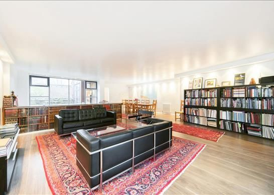 Flat to rent in St. Regis Heights, Hampstead, London