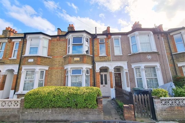 2 bed flat to rent in Engleheart Road, Catford, London SE6