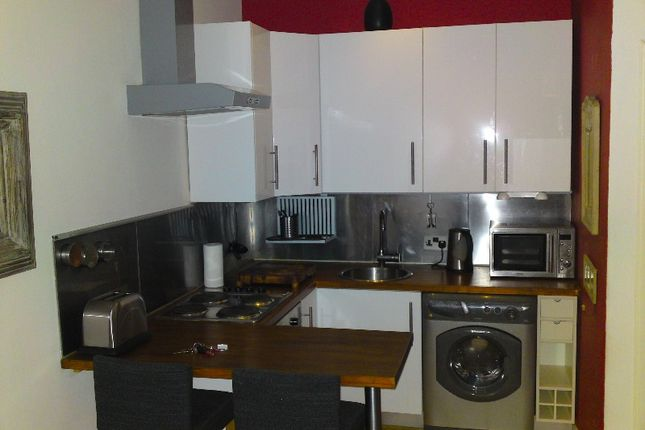 Thumbnail Flat to rent in Millar Place, Morningside, Edinburgh