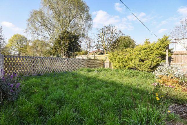 Garden View of Banbury Road, Summertown, North Oxford, Oxon OX2