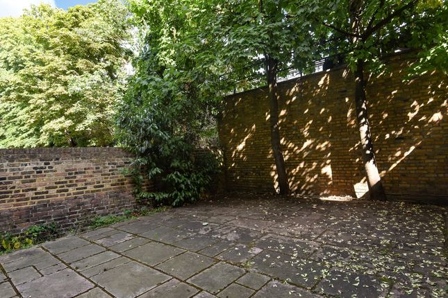 Garden of Trebovir Road, London SW5