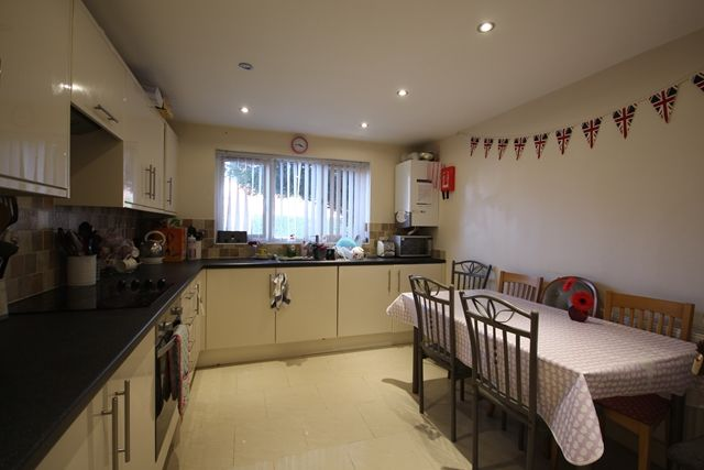 Thumbnail Shared accommodation to rent in Oldbury Road, St Johns, Worcester