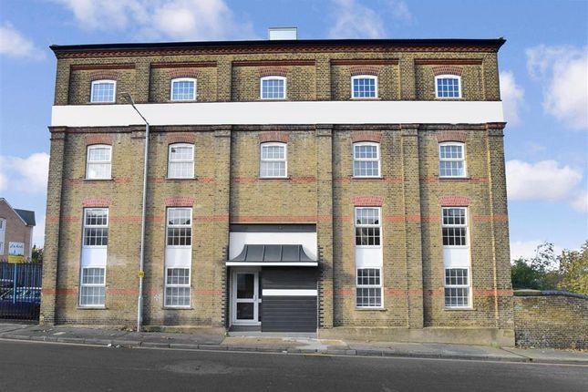 Thumbnail Flat for sale in Stuart Road, Gravesend, Kent