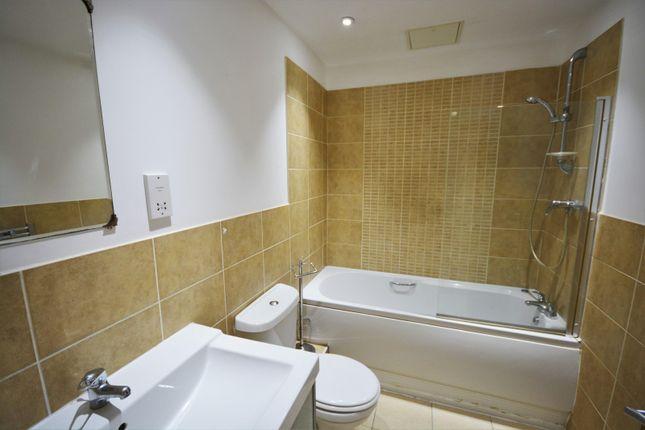 Bathroom of Walter Road, Swansea SA1