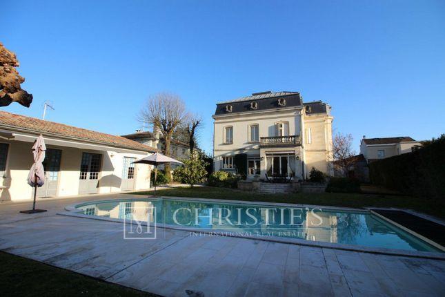 properties for sale in bordeaux commune bordeaux gironde aquitaine france bordeaux. Black Bedroom Furniture Sets. Home Design Ideas