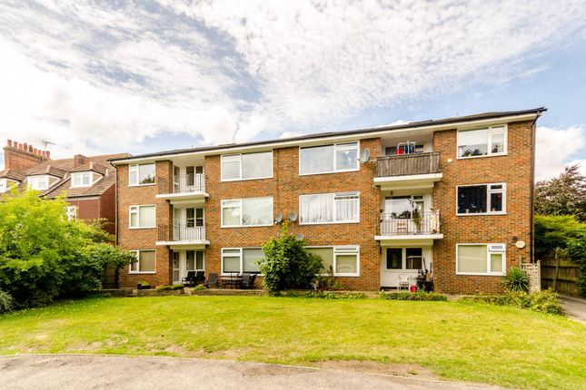 Thumbnail Flat to rent in Homefield Road, Sundridge Park