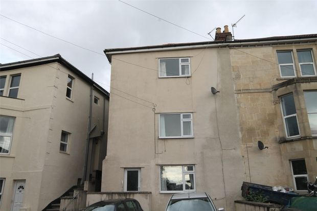 Studio to rent in Cromwell Road, St Andrews, Bristol