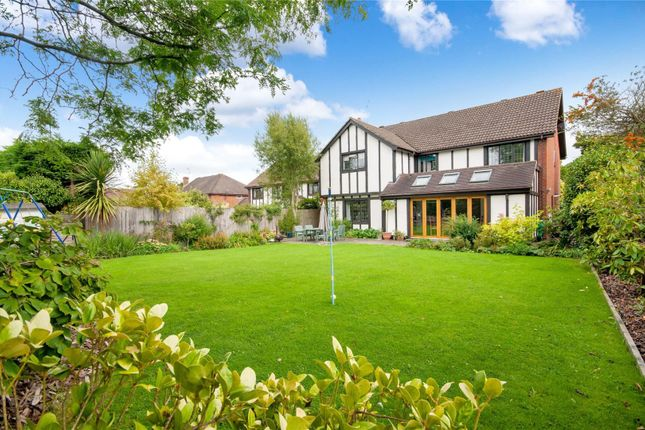Thumbnail Detached house for sale in Heathway, East Horsley, Surrey