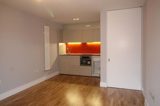 Thumbnail Flat to rent in Shires Lane, Leicester