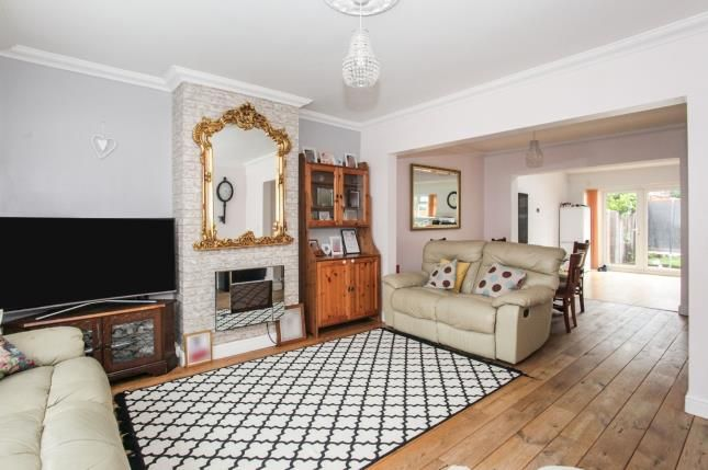 Lounge of Wilsden Avenue, Luton, Bedfordshire, . LU1