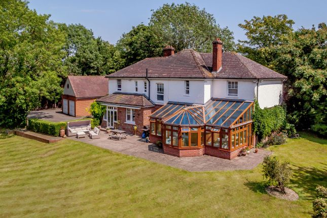 Thumbnail Detached house for sale in Manor Road, Bexley