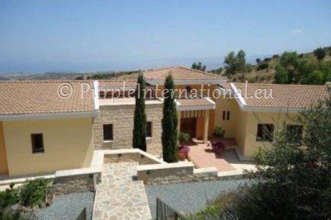 Villa for sale in Droushia, Paphos