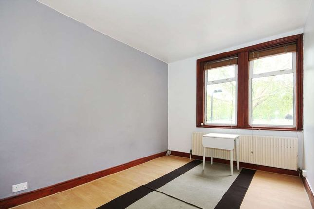 Thumbnail Flat for sale in Ainsworth Road, London