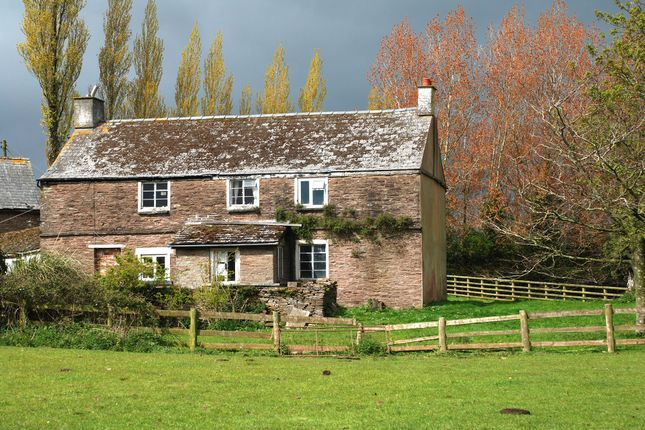 Thumbnail Farmhouse for sale in Walterstone, Herefordshire