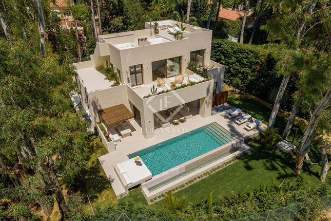 Villa for sale in Spain, Costa Del Sol, Marbella, Los Monteros, Mrb17996