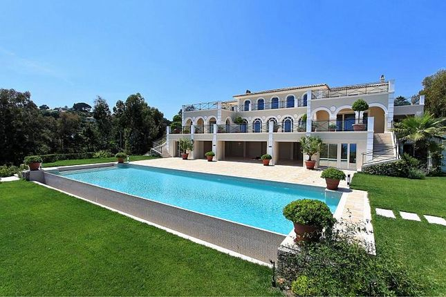 Thumbnail Villa for sale in Super Cannes, Cannes, Provence-Alpes-Cote D'azur, France