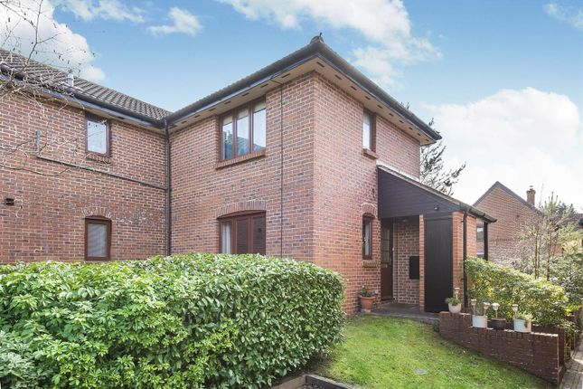 Thumbnail Maisonette for sale in Wentworth Close, Crowthorne, Berkshire