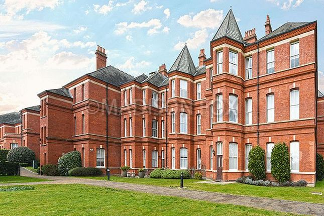 Thumbnail Flat for sale in Repton Park, Woodford Green