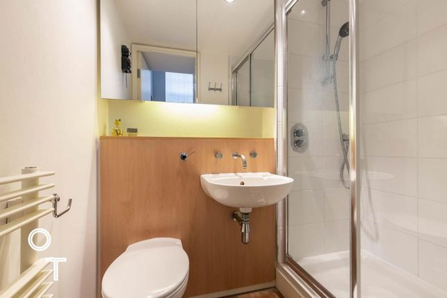 En-Suite Shower of Prince Of Wales Road, London NW5