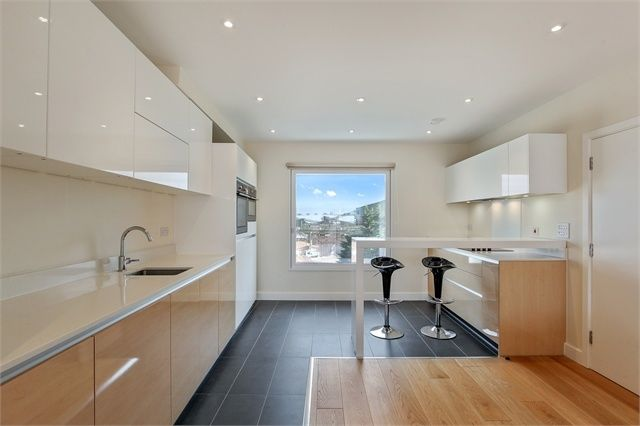 Thumbnail Flat for sale in Landmann Point, Peartree Way, London
